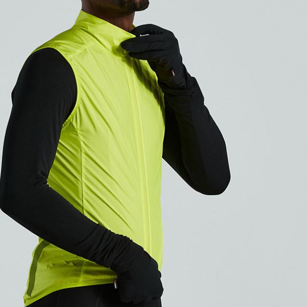 스페셜라이즈드 스페셜라이즈드 2021 HyprViz 레이스 시리즈 윈드 질레 형광색 민소매 자켓 (남성용)